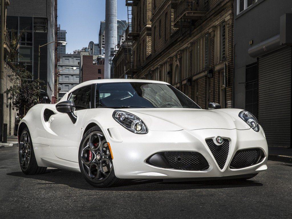 Alfa romeo 4c white