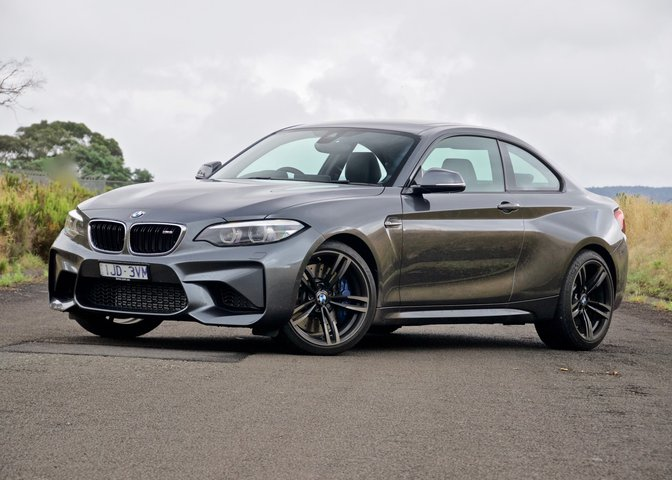 2019 BMW M2 reviews
