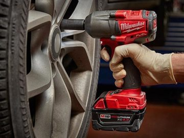 How to Use your Impact Driver's Socket