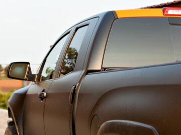 5 Benefits of Buying Used Trucks